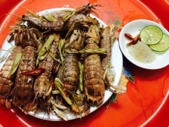 Đậm đà hương vị tôm tít hấp bia sả - đặc sản biển xứ Thanh