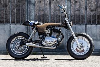 Honda Dax 500cc độ siêu độc, siêu dị của một nữ biker
