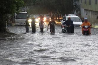 Phương pháp giúp bạn lái xe tốt hơn trong mùa mưa bão