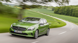 Mercedes-Benz công bố giá bán dòng Mercedes A-Class 2016