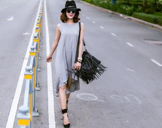 Phong cách dạo phố 'sang chảnh' của Diệp Lâm Anh