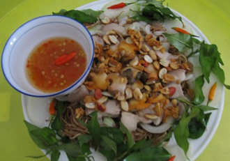 Thưởng thức món gỏi sò lông trộn hoa chuối đậm đà vị biển