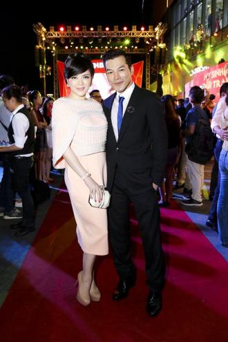 """Lý Nhã Kỳ, Angela Phương Trinh với """"đường đua ngầm"""" trên thảm đỏ"""