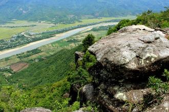 Ghé thăm thung lũng trên đỉnh Am Thông