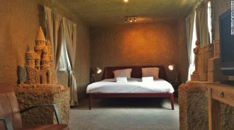 Lâu đài cát lần đầu tiên trở thành khách sạn