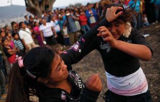Những truyền thống hung bạo nhưng mang ý nghĩa tốt trên thế giới