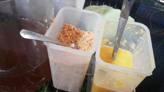 Bánh xèo chấm nước quả ép phố Yên Phụ