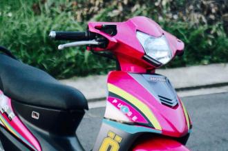 Chiếc Wave hồng phiên bản nitron siêu chất