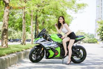 Mỹ nhân xinh đẹp khoe chân dài miên man cùng Kawasaki Ninja ZX-10R 2015