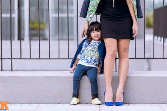 Thời trang đôi đẹp miễn chê của cặp mẹ con Sài Gòn