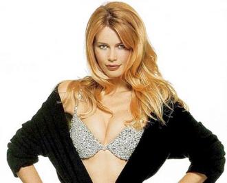 Những chiếc áo lót 'tiền tỷ' lẫy lừng thế giới của Victoria's Secret