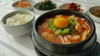 Ấm áp ngon lành với ẩm thực mùa lạnh ở Hàn Quốc