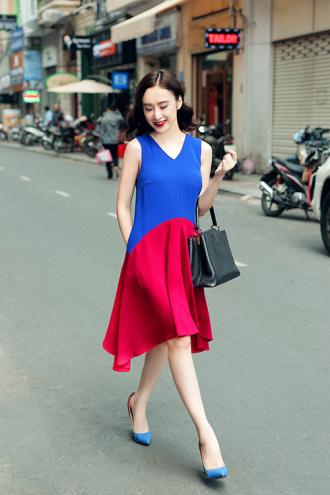 Angela Phương Trinh hút ánh nhìn với váy đầm sặc sỡ