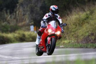 Ducati 1299 Panigale test max speed trên phố