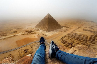 Chinh phục đỉnh Kim tự tháp ở Ai Cập
