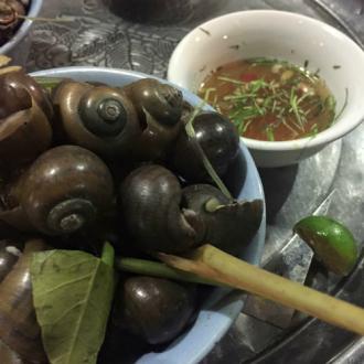 Danh sách món ăn vặt Hà Nội cho ngày lạnh giá