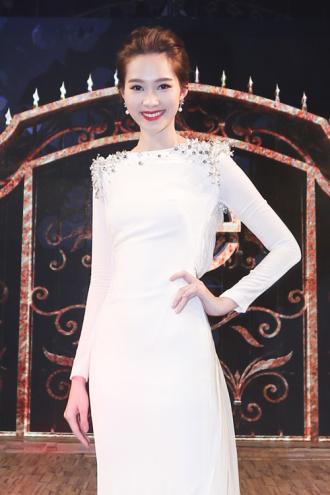 Hoa hậu Thu Thảo khiến Top 9 Project Runway ngẩn ngơ