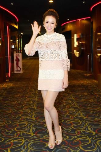 Angela Phương Trinh, Hạ Vi đọ sắc khi diện váy gợi cảm