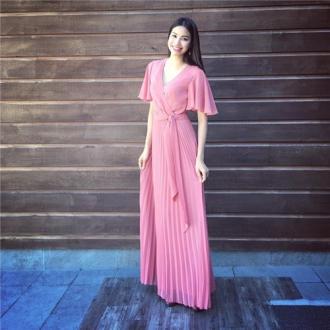 Diện tông hồng 'cực chuẩn' như mĩ nhân Việt
