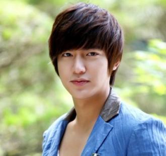 5 kiểu tóc nam mái ngố đẹp như sao Hàn