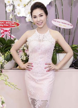Quỳnh Thư giảm 10 kg để lấy lại vóc dáng