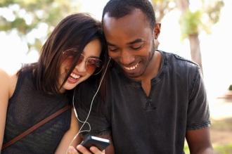 Sử dụng chung tai nghe có thể gây nhiễm trùng