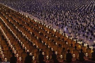 Những sắc màu Phật giáo được ghi lại đầy ấn tượng