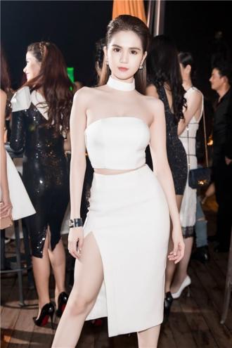 Ngọc Trinh đọ sắc cùng hoa hậu Hàn Quốc, Trung Quốc