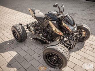 Độc đáo chiếc Kawasaki Z1000 độ 4 bánh