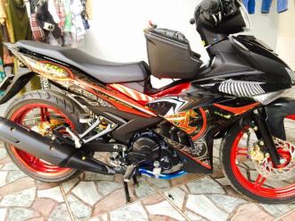 Exciter độ tem Lc malaysia với hoa văn logo hình tròn cực chất