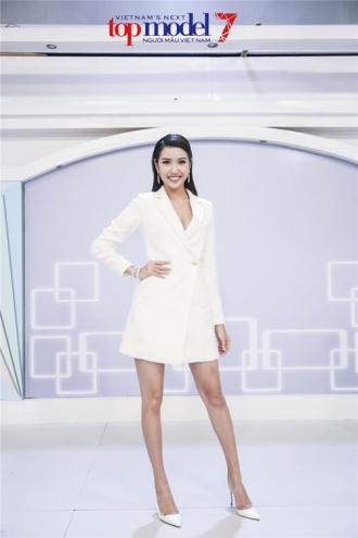 Thí sinh từng thi trượt trở thành giám khảo Next Top Model