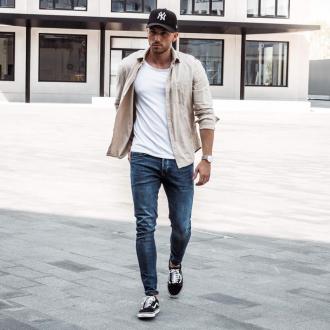 7 cách phối giày vans old skool giúp chàng đến công sở thời trang