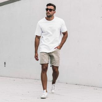 8 cách phối đồ với áo thun trắng cực đơn giản phong cách
