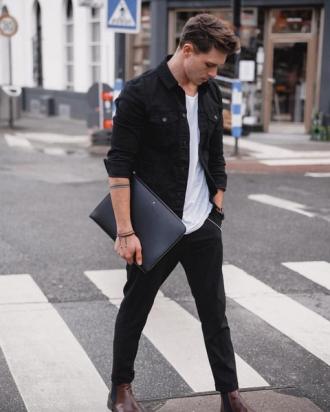 Cách phối áo sơ mi với áo thun nam phong cách