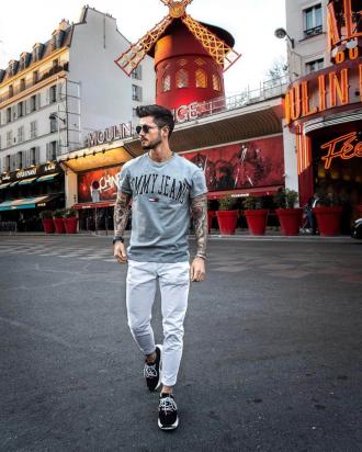 4 gợi ý phối đồ cùng quần chinos trắng giúp chàng định hình vẻ ngoài tự tin