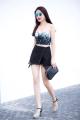 Kiwi Ngô Mai Trang 'bầu bí' vẫn gợi cảm trên phố