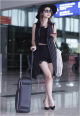 Thời trang sân bay điệu đà và kiểu cách của sao Việt